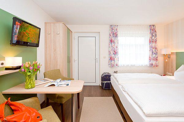 Doppelzimmer auf der Insel Rügen buchen in der Ferienpension Seeblick in Neuensien bei Sellin