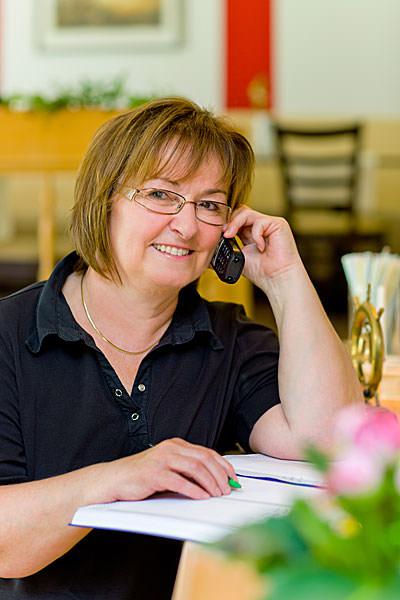 Eigentümerin Petra Glawe der Pension Seeblick im Ostseebad Sellin OT Neuensien auf der Insel Rügen