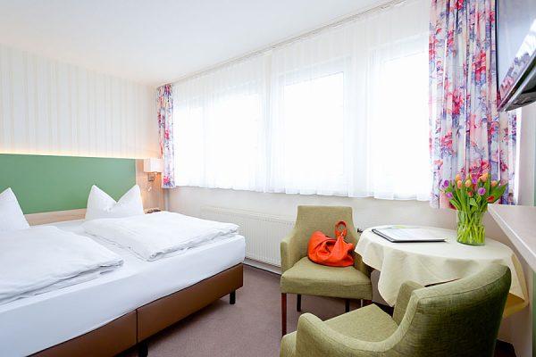 Doppelzimmer für den Ostseeurlaub auf Rügen buchen in der Ferienpension Seeblick im Ostseebad Sellin
