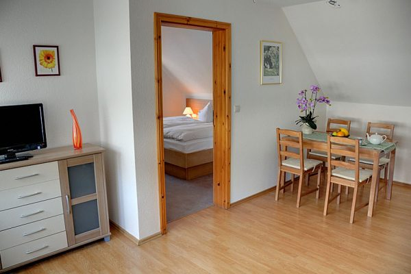 Ferienwohnungen am Wasser in der Pension Seeblick in Seedorf auf Rügen