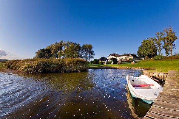 Urlaub direkt am See von Neuensien in der Nähe vom Ostseebad Sellin auf Rügen